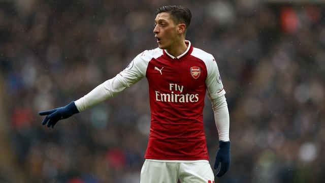 Mesut Özil'in hayatı kitap oldu