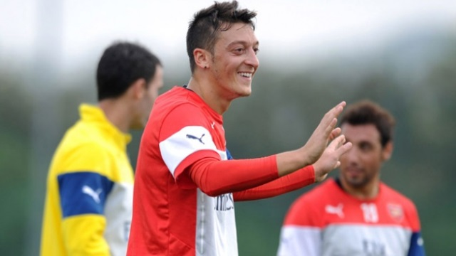 Arsenal'de Mesut heyecanı