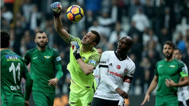 Beşiktaş Akhisar'ı yıkamadı