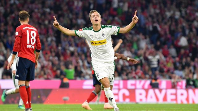 Bayern Münih'e evinde şok