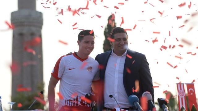 Antalyaspor Başkanı Öztürk istifa etti