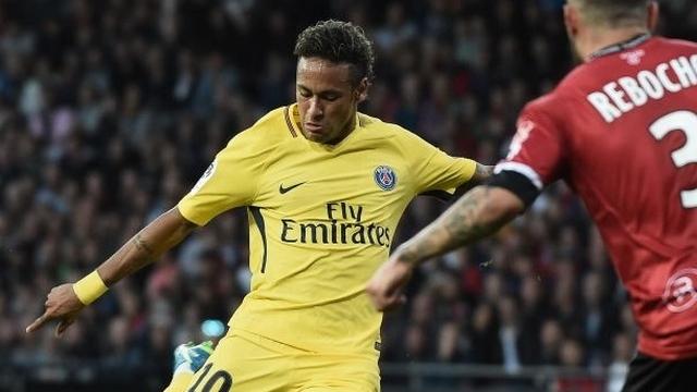Neymar ilk maçında şov yaptı!