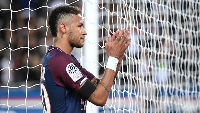Wenger'den Neymar'a eleştiri!