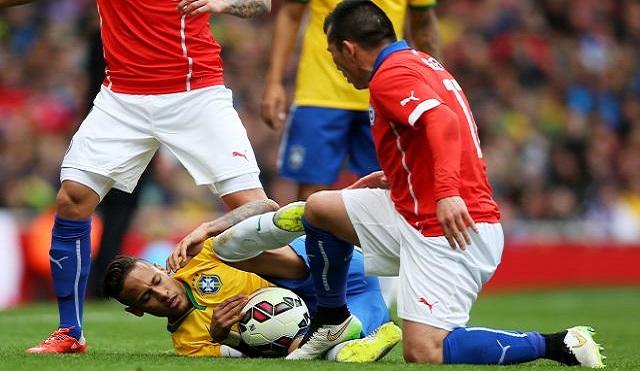 Neymar: Futbol değil kafes dövüşü