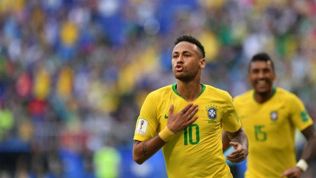 Neymar sırtladı, Brezilya turladı