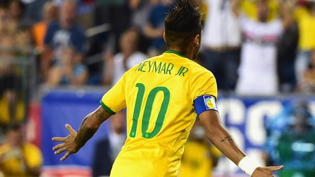 Neymar efsaneyi yakalıyor