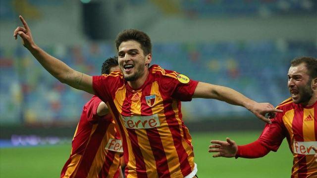 Trabzonspor'da beklenen imzalar atıldı!