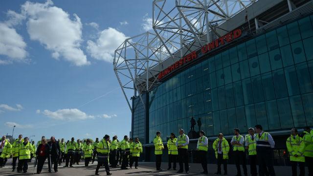Old Trafford'da terör ALARMI