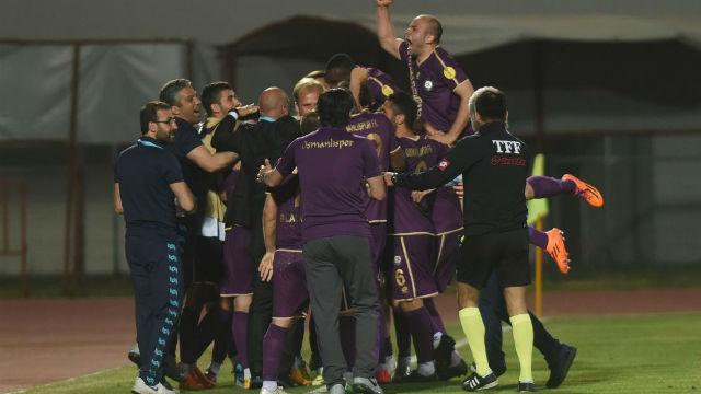 TFF'den Osmanlıspor'a ceza yağdı