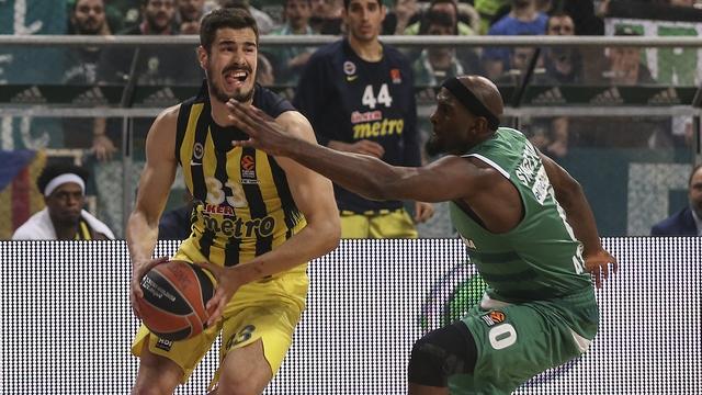 Fenerbahçe Atina'yı salladı!