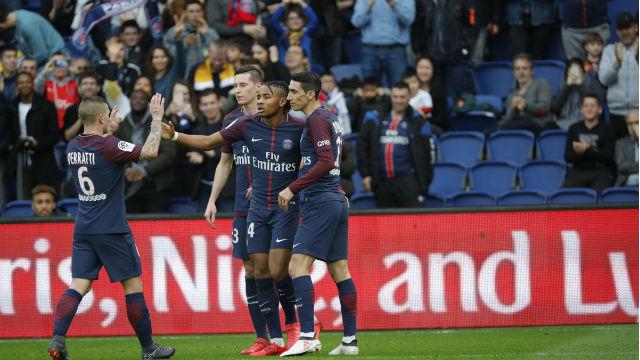PSG, Metz'e patladı