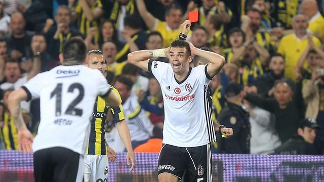 Pepe, G.Saray maçında olmayabilir!