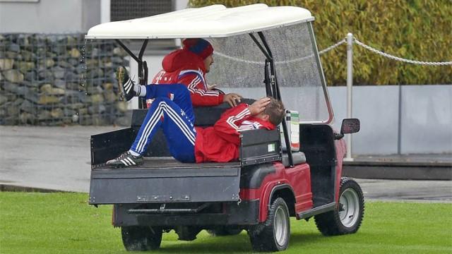 Bayern kaptanı ameliyat oldu