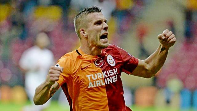 Özbek: Podolski için teklif yok
