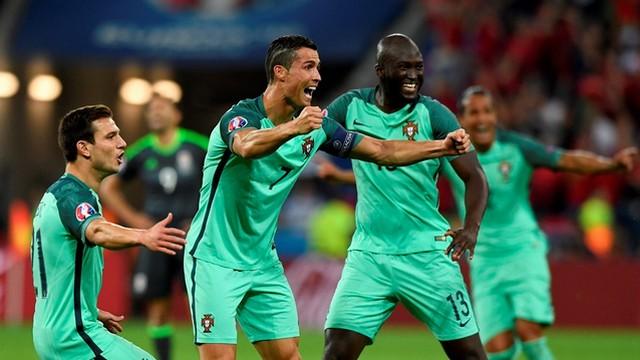 Ronaldo finale, Bale evine!