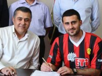 Ragıp Eskişehirspor'la İmzaladı
