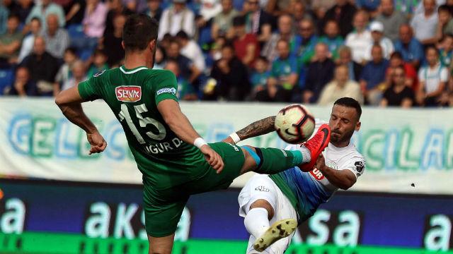 Rizespor ve Konyaspor puanları paylaştı