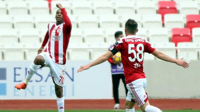 Sivasspor'u Robinho taşıdı