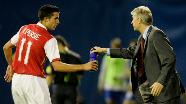 Van Persie: Wenger benim futboldaki babamdı