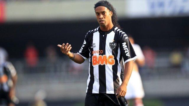 Ronaldinho kovuldu!
