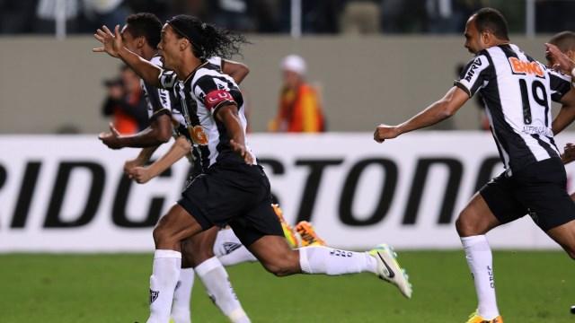 Ronaldinho tarih yazdı