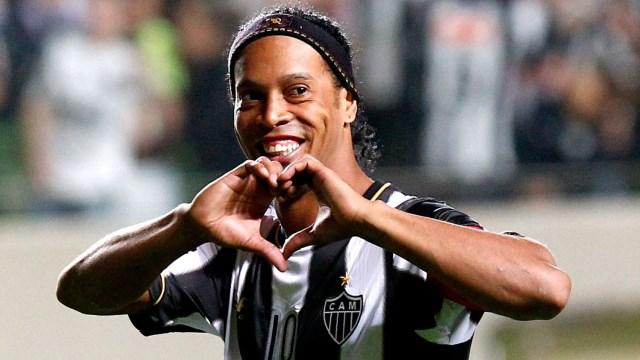 Frikik ustası Ronaldinho
