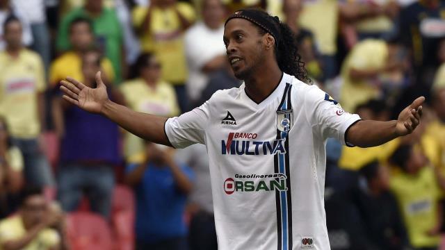 Antalya Ronaldinho'yu bekliyor