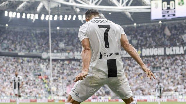 Ronaldo'dan Salah'a gönderme