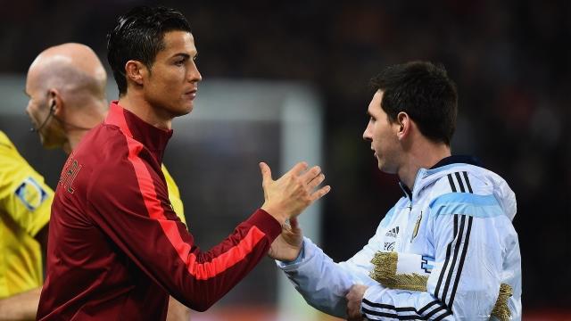 Old Trafford Messi-Ronaldo'ya doyamadı