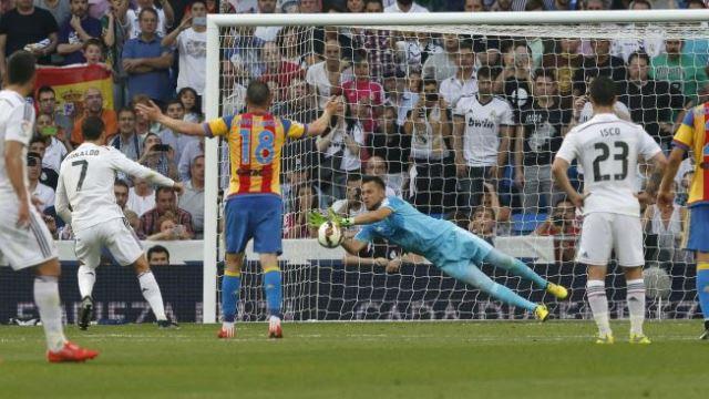 Ronaldo'nun penaltısı tarihe geçti!