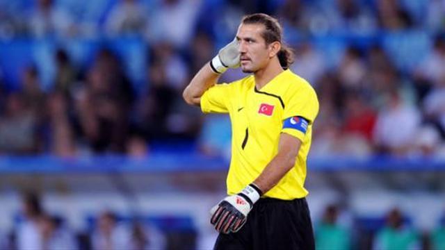 UEFA'dan Rüştü'ye büyük onur!