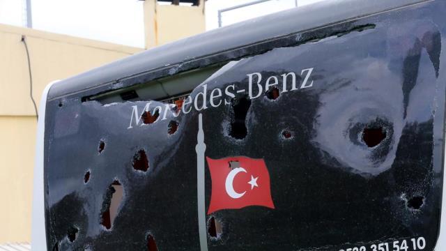 Bir saldırı da Beşiktaş kafilesine!