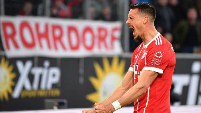 Bayern Münih son dakikada güldü
