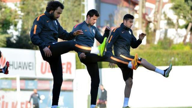 Galatasaray rotasyona gidiyor!