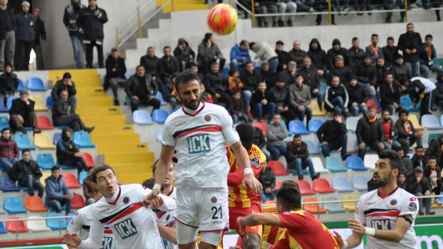 Gençler Kayseri'yi ateşe attı