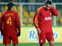 Galatasaray'Da Savunma Alarmi