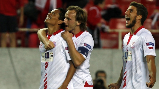 Sevilla avantajı kaptı