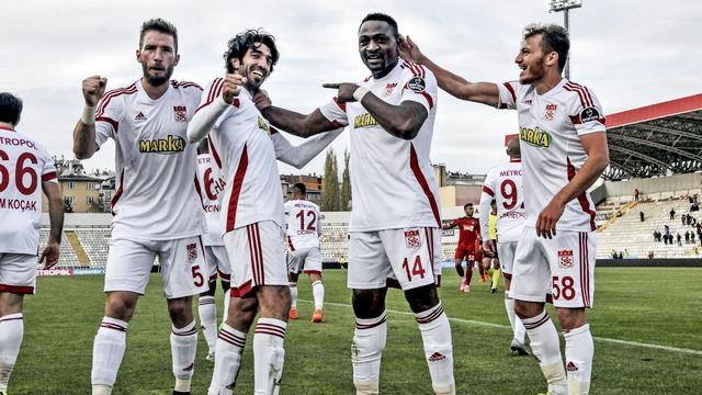 Sivasspor galibiyet siftahını yaptı