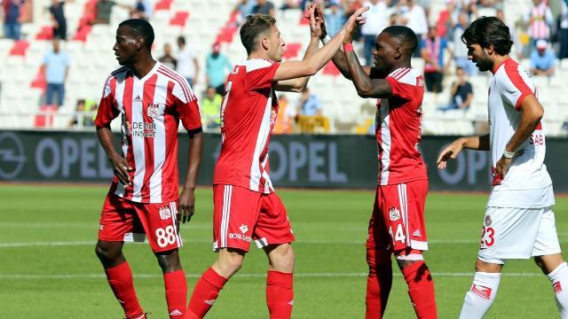 Sivasspor, Antalya'yı devirdi