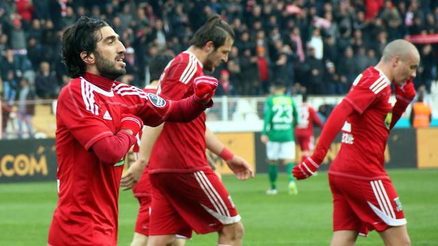 Sivas Bursa'ya gol oldu yağdı