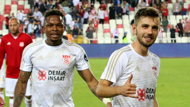 Sivasspor 3 puanla başladı