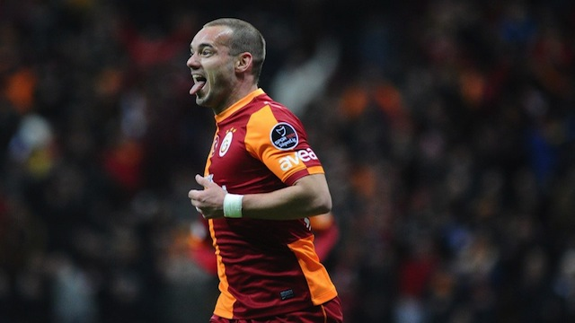 Sneijder isyan etti