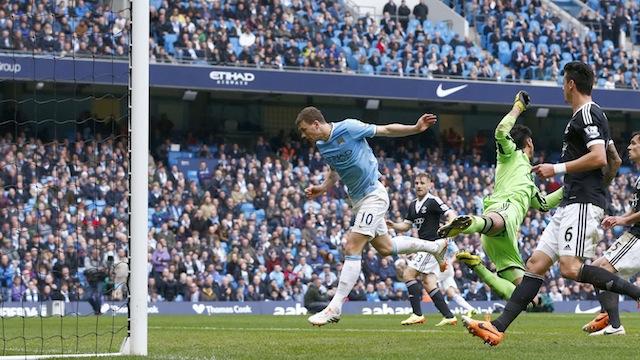 Manchester City dağıttı