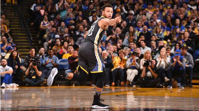 Curry'nın dönüşü muhteşem oldu