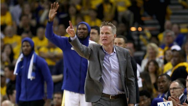 Warriors, Kerr ile sözleşme yeniledi