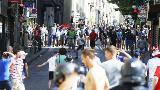 UEFA'dan Rusya ve İngiltere'ye tehdit