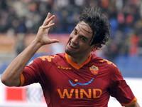 Luca Toni Destek Bekliyor