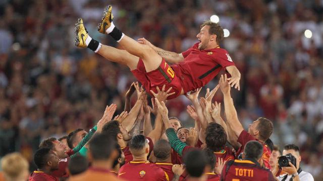 Totti futbola veda etti