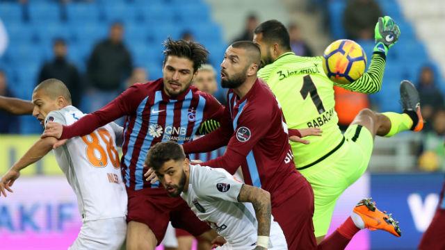 Trabzon'da 3 puan Başakşehir'in