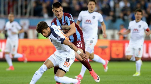 Trabzonspor Başakşehir'i durdurdu